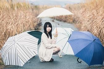 傘の少女2