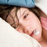 【ヘルパンギーナ】子供の夏風邪 ― 高熱と喉の奥の水疱、髄膜炎のリスクも ― 症状と治療法