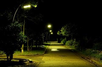 両立 深夜の風景