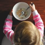 口の感覚過敏で食べるのが苦手だった子供が、食べられるようになったエピソード(体験談)