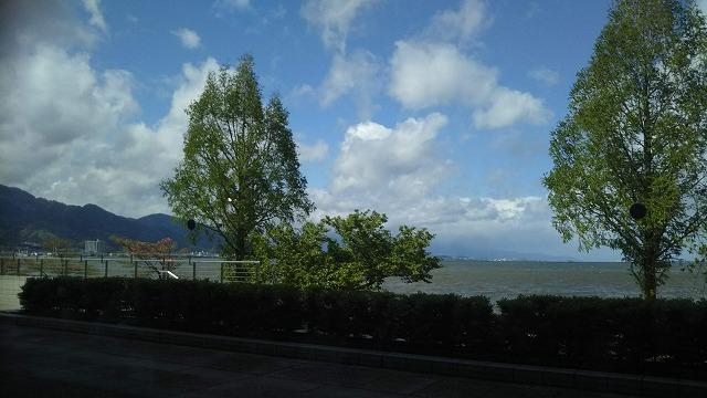 びわ湖ホール レストランオペラ ガラス窓からの風景